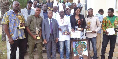 Le Ministre Kossivi EGBETONYO rend hommage aux lauréats de divers concours culturels internationaux